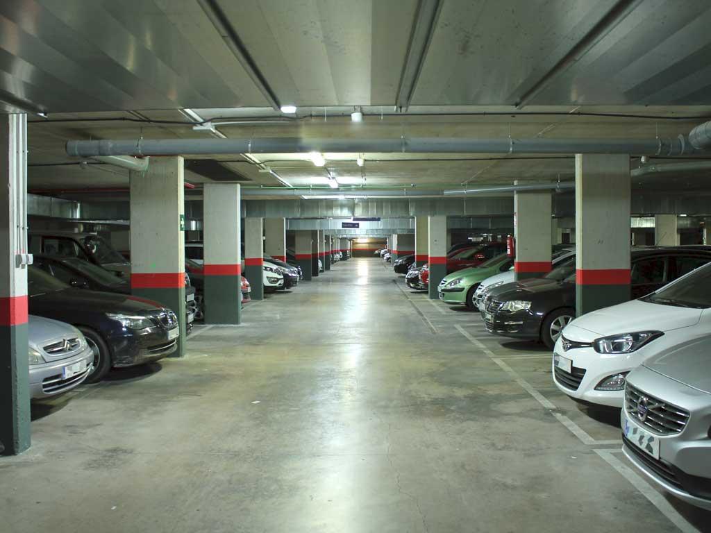 Location de parking: stationnez dans la norme