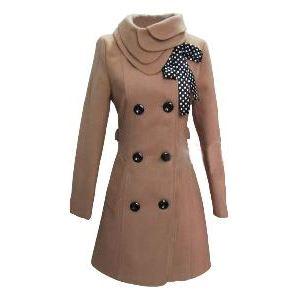 Vestes femme Esprit Nos manteaux et nos vestes se doivent d'allier confort et élégance. Ils doivent être chauds, souligner notre féminité tout en se mariant parfaitement à notre style personnel.